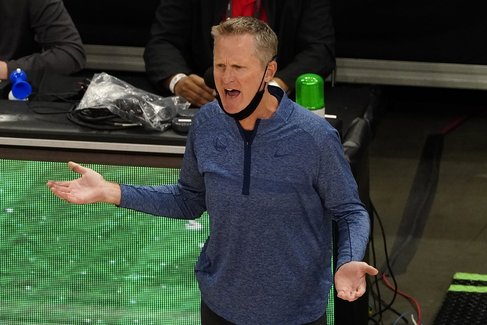 Warriors mailbag: Why Steve Kerr's job is safe despite disappointing season