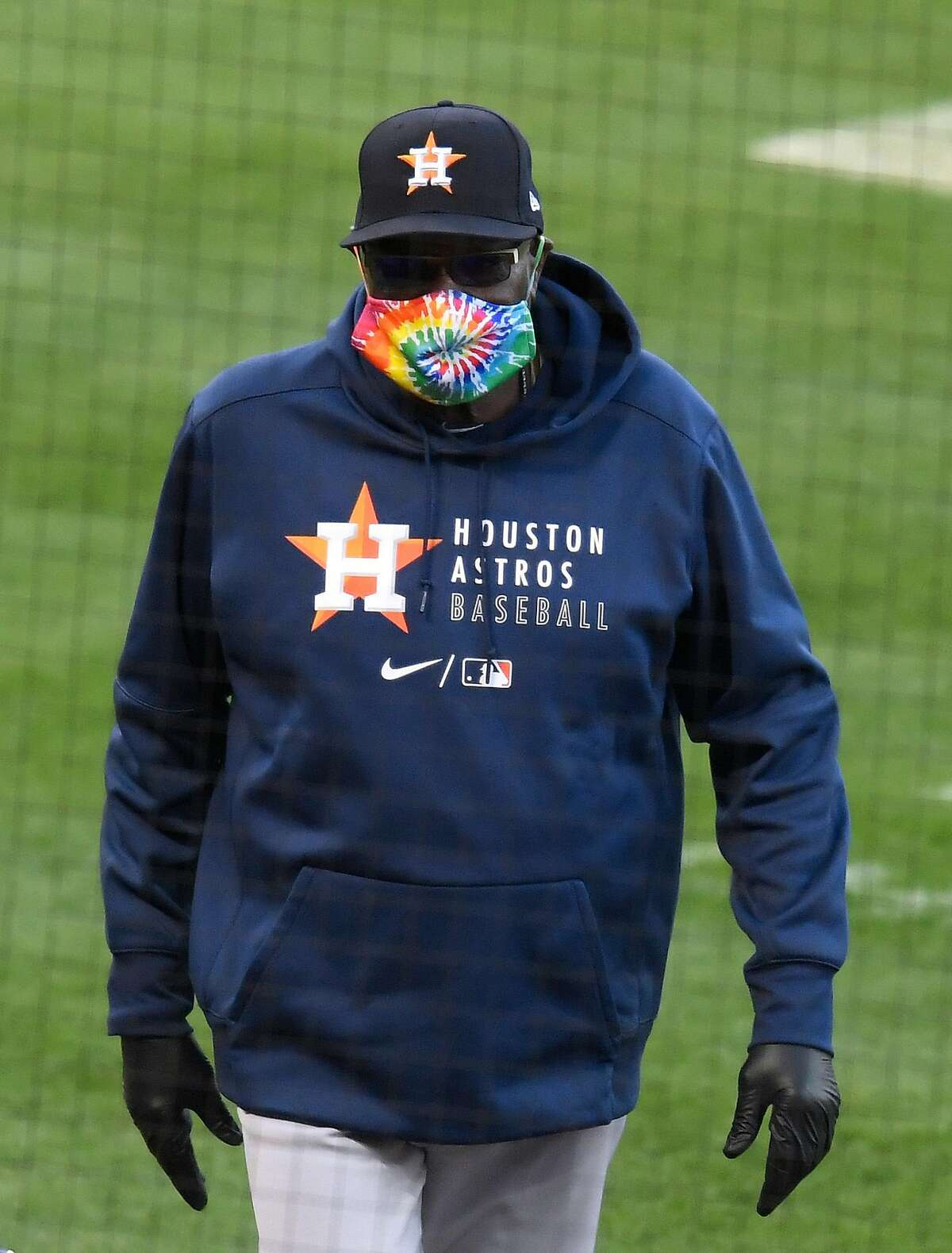 ANAHEIM, CALIFORNIA - APRIL 05: Manager Dusty Baker of the Houston Astros walks back to the dugout before the game against the Los Angeles Angels at Angel Stadium of Anaheim on April 05, 2021 in Anaheim, California. (Photo by Harry How/Getty Images)