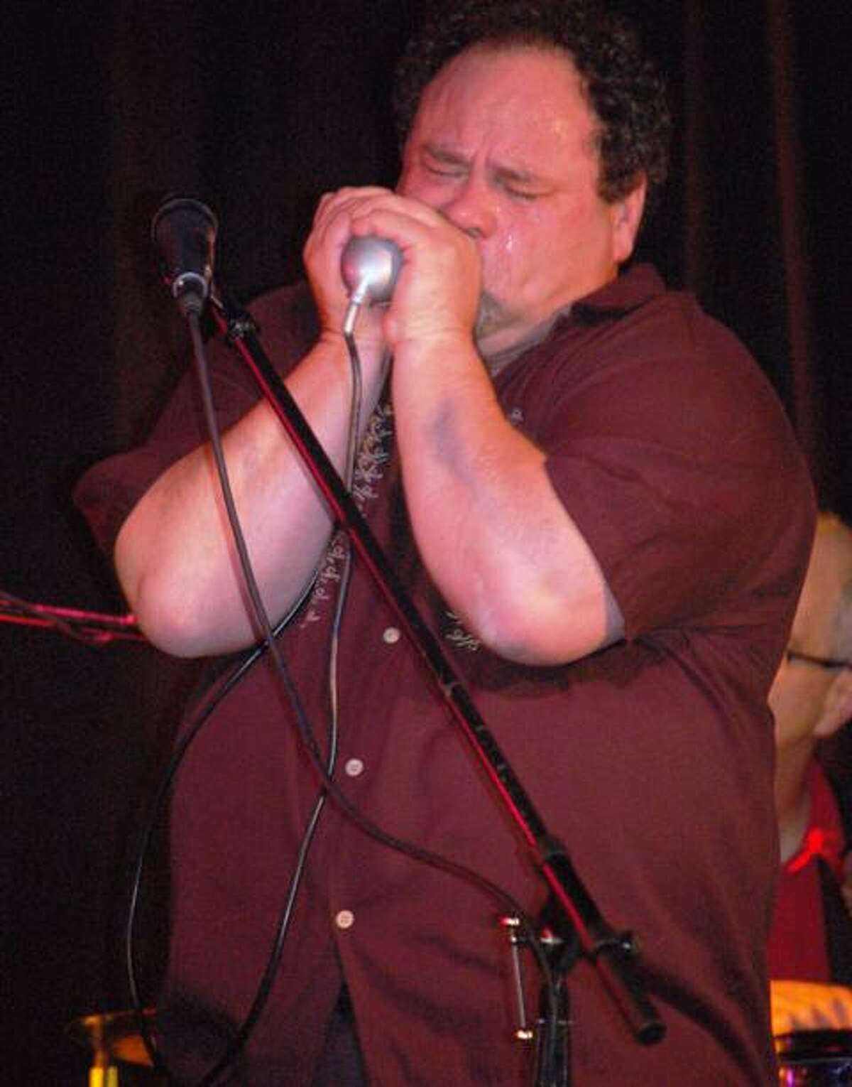 Mark Zaretsky and the Chicago Dawgs are bringing their show to Cafe Nine.