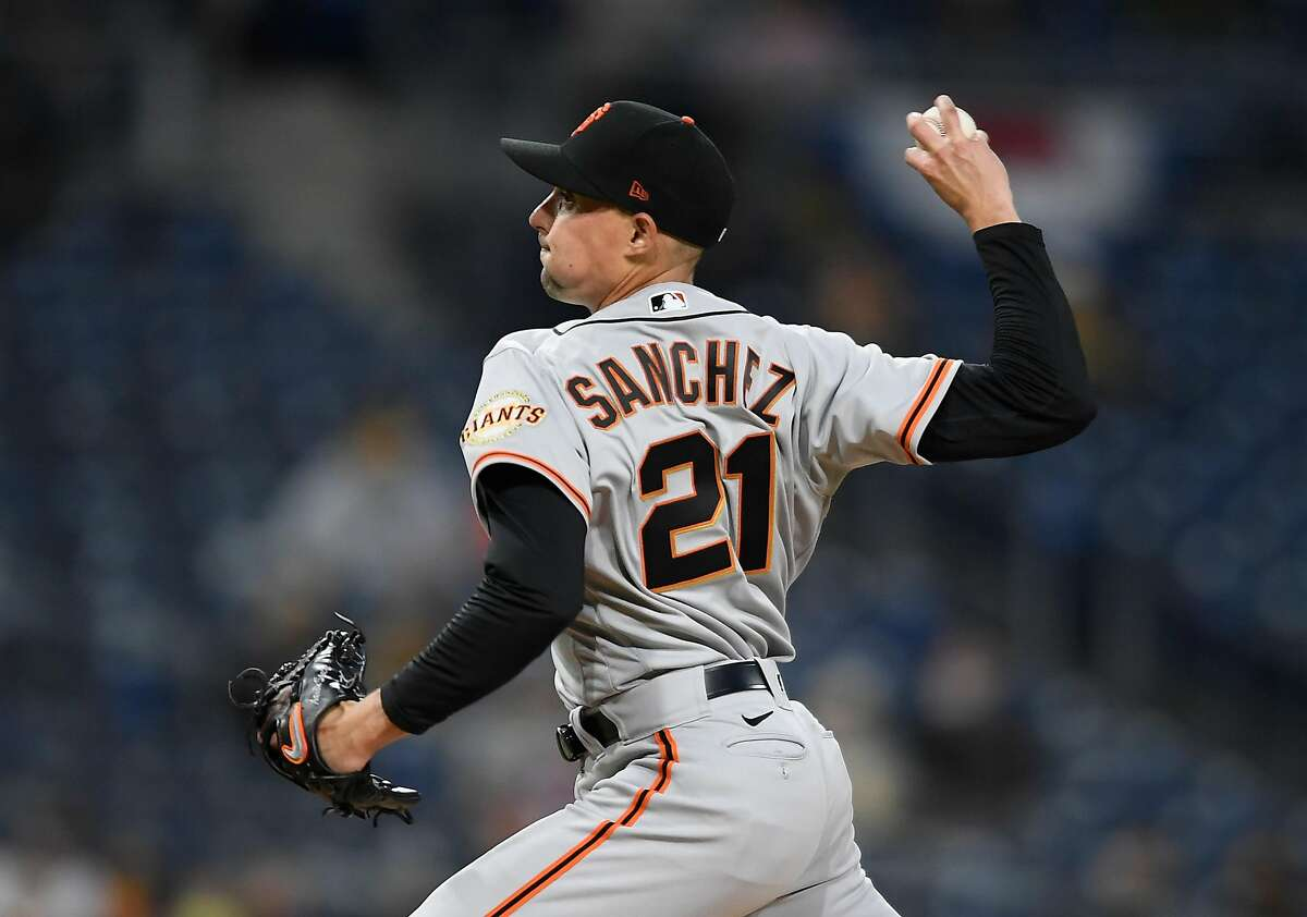 SAN DIEGO, CA - APRIL 6: Aaron Sanchez #21 of the San Francisco Giants pitches during the first inning of a baseball game against the San Diego Padres at Petco Park on April 6, 2021 in San Diego, California. (Photo by Denis Poroy/Getty Images)