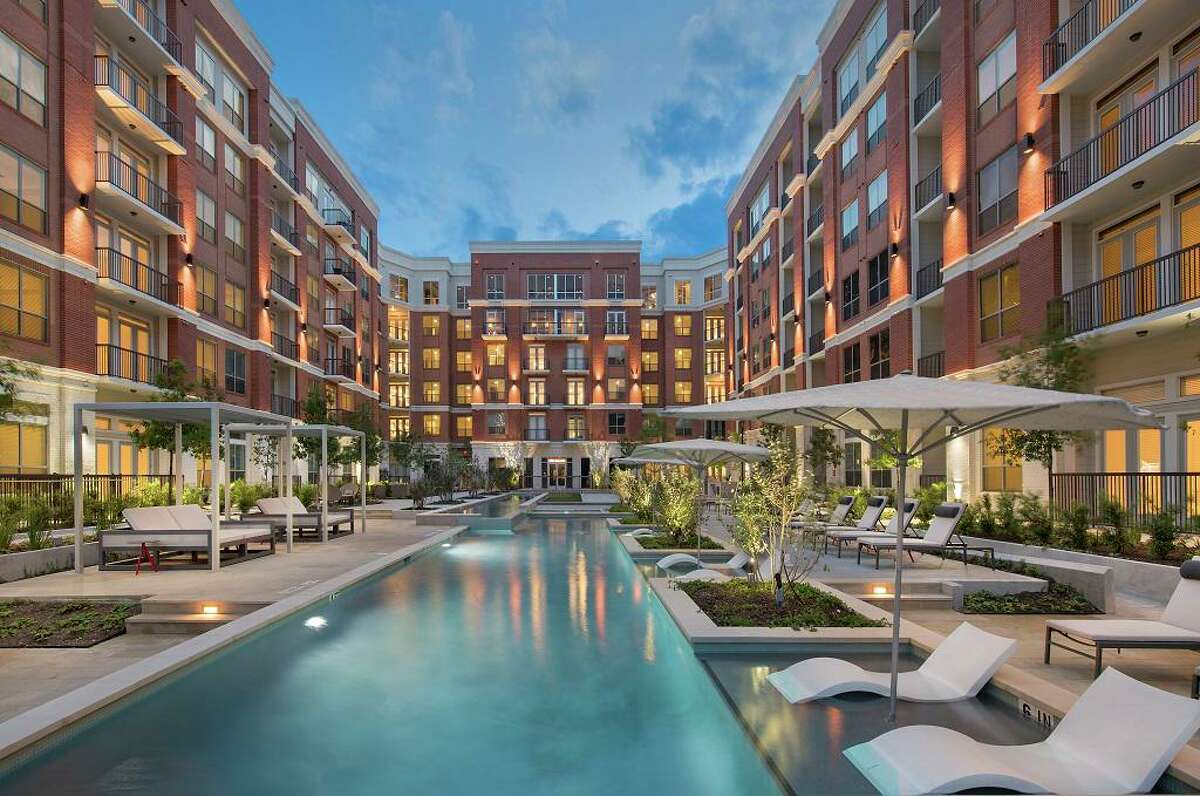CDC Houston acquired The Mark at CityPlace Springwoods Village, a 268-unit apartment building at 1600 Springwoods Plaza Drive from Martin Fein Interests. Fein completed the project in 2017.