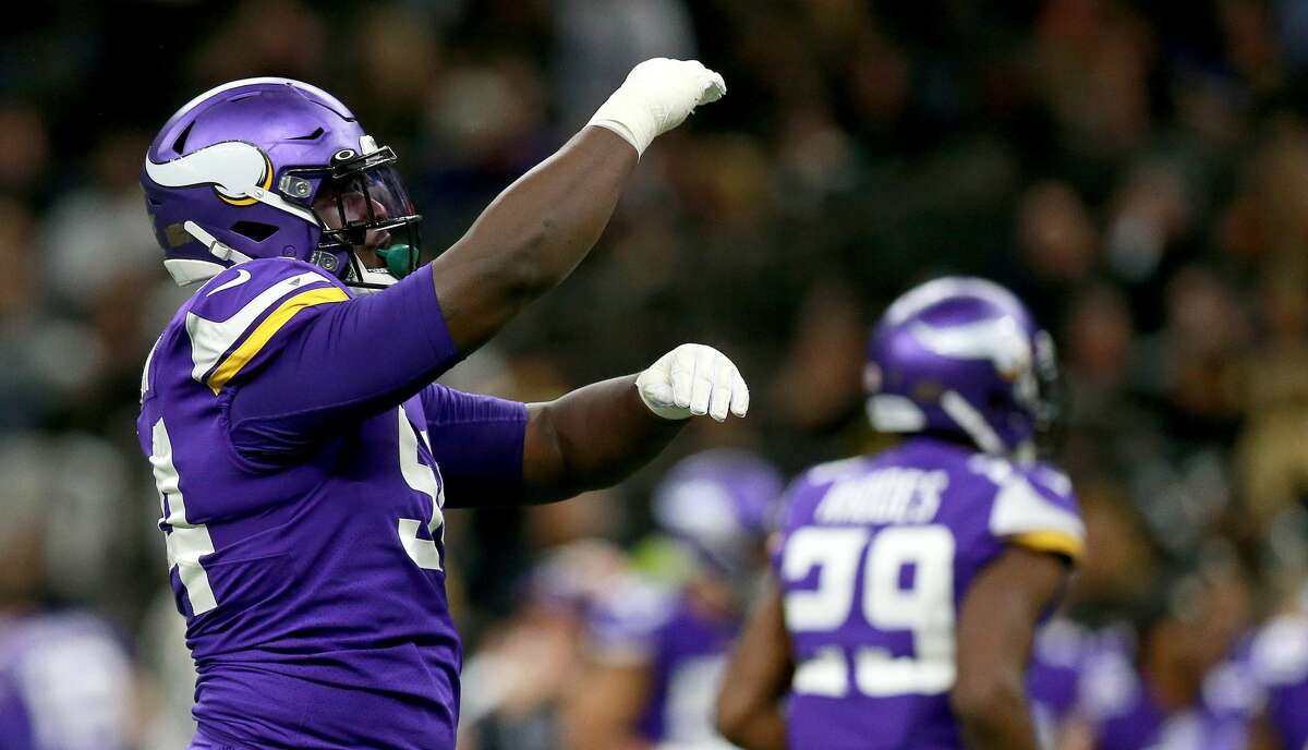 Jaleel Johnson #94 of the Minnesota Vikings reacts to a play in the NFC Wild Card Playoff game against the New Orleans Saints at Mercedes Benz Superdome on January 05, 2020 in New Orleans, Louisiana. (Photo by Sean Gardner/Getty Images)