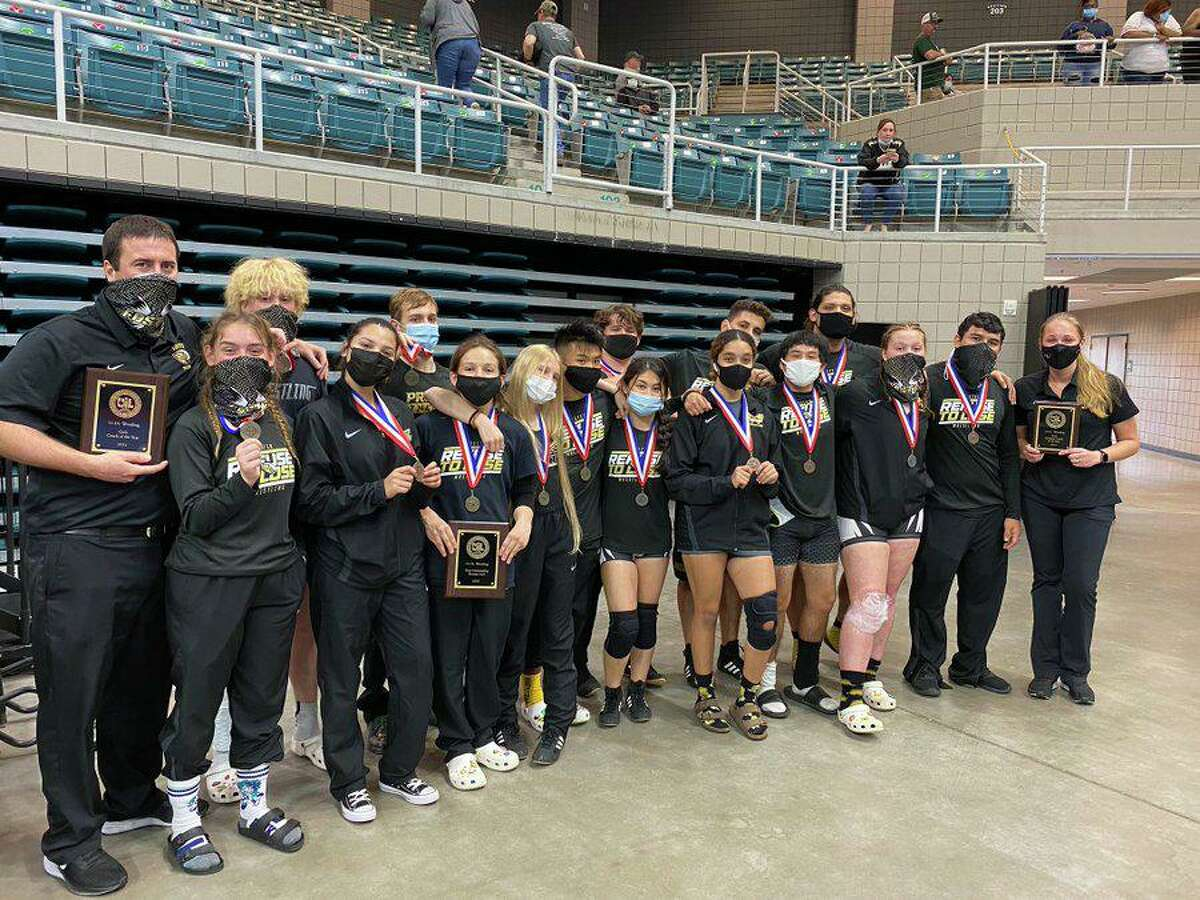 Foster was the girls team runner-up and third in the boys standings at the District 11-5A wrestling championships, qualifying 16 athletes for the regional tournament.