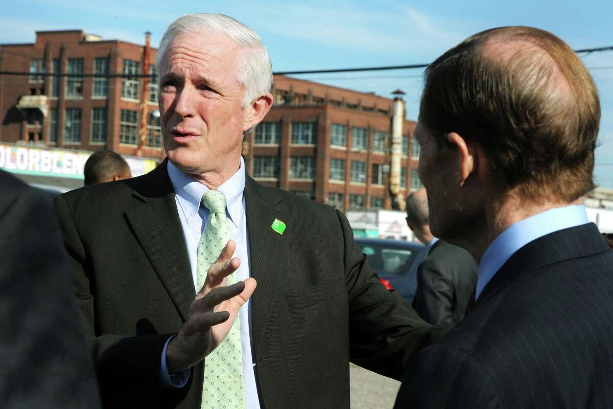 Then-Mayor Bill Finch of Bridgeport speaks with U.S. Sen. Richard Blumenthal in 2015.