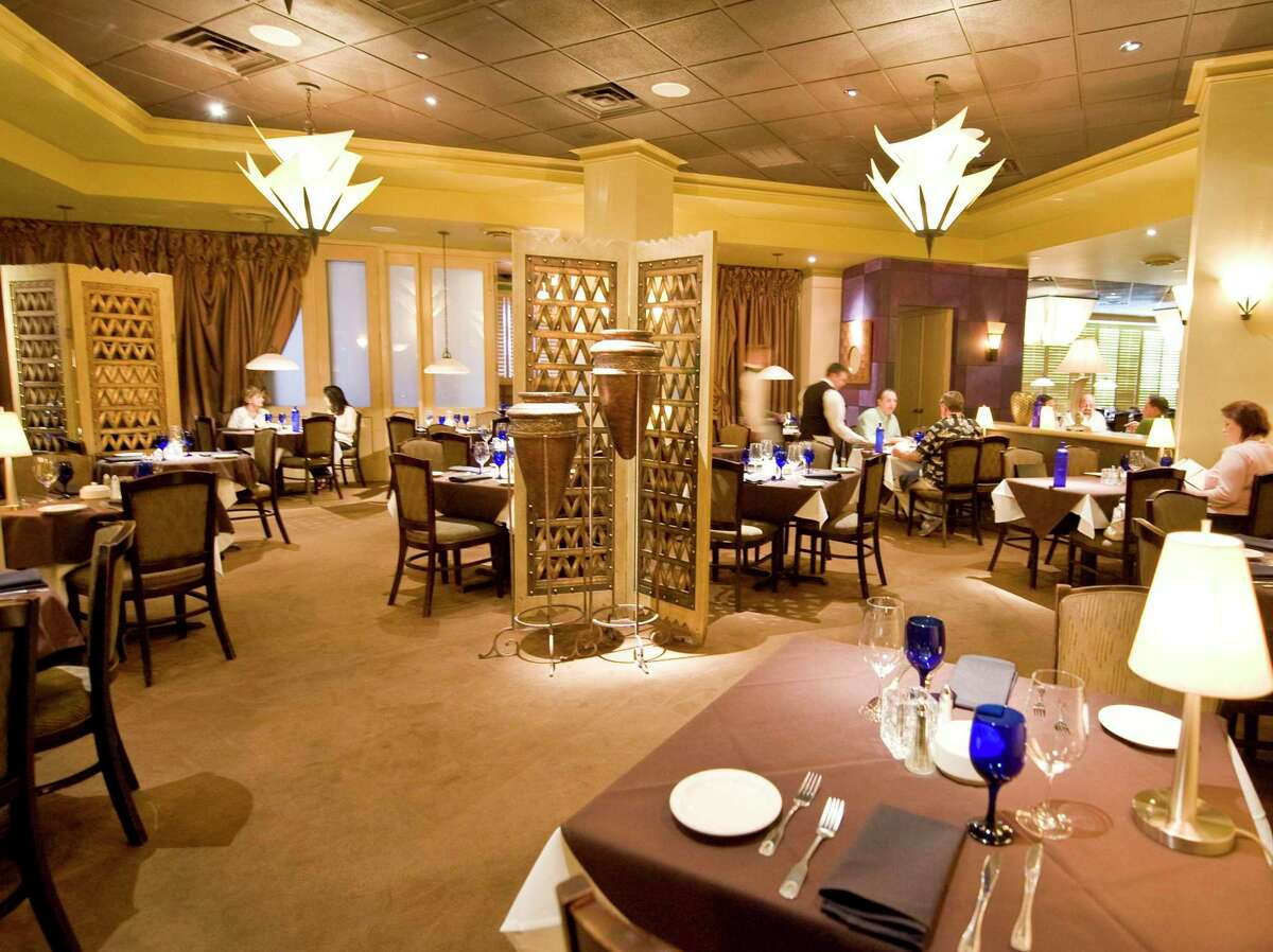 A view of the main dining room at Perry's Grille and Steakhouse in The Woodlands. Other interior renovations at the 6700 The Woodlands Parkway restaurant were not disclosed as they are not under the authority of the DSC, which mainly handles exterior elements.