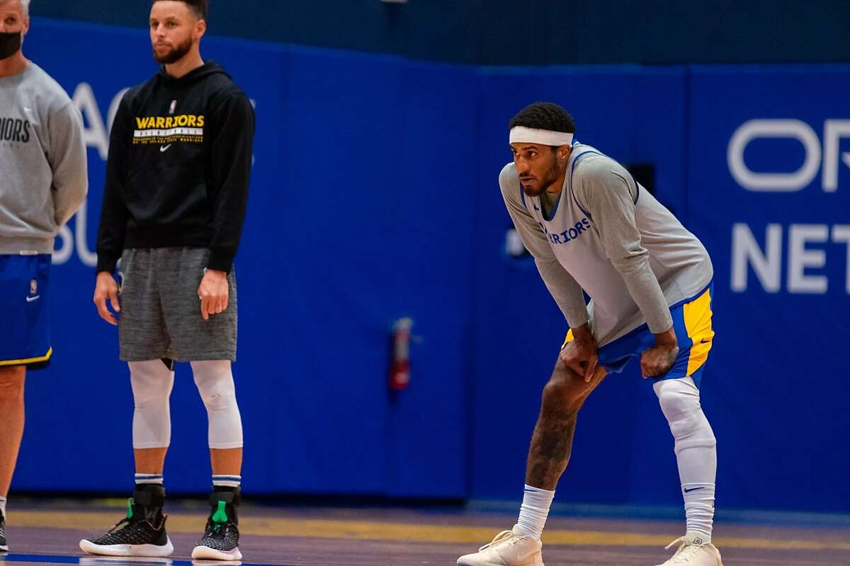 Guard Gary Payton II signed a 10-day contract with the Warriors on Thursday.