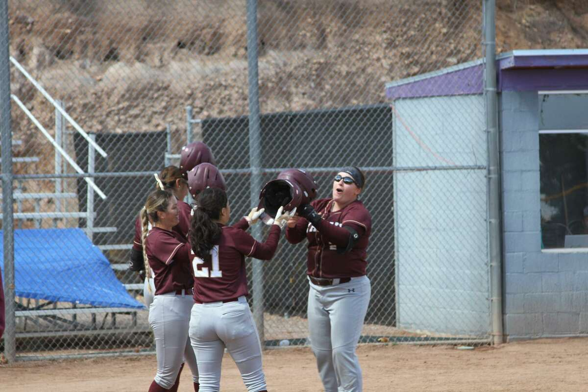 TAMIU split a doubleheader against a nationally-ranked opponent for the second straight time as the Dustdevils run ruled No. 4 Texas A&M-Commerce 10-2 in six innings in Game 1 Friday at home.