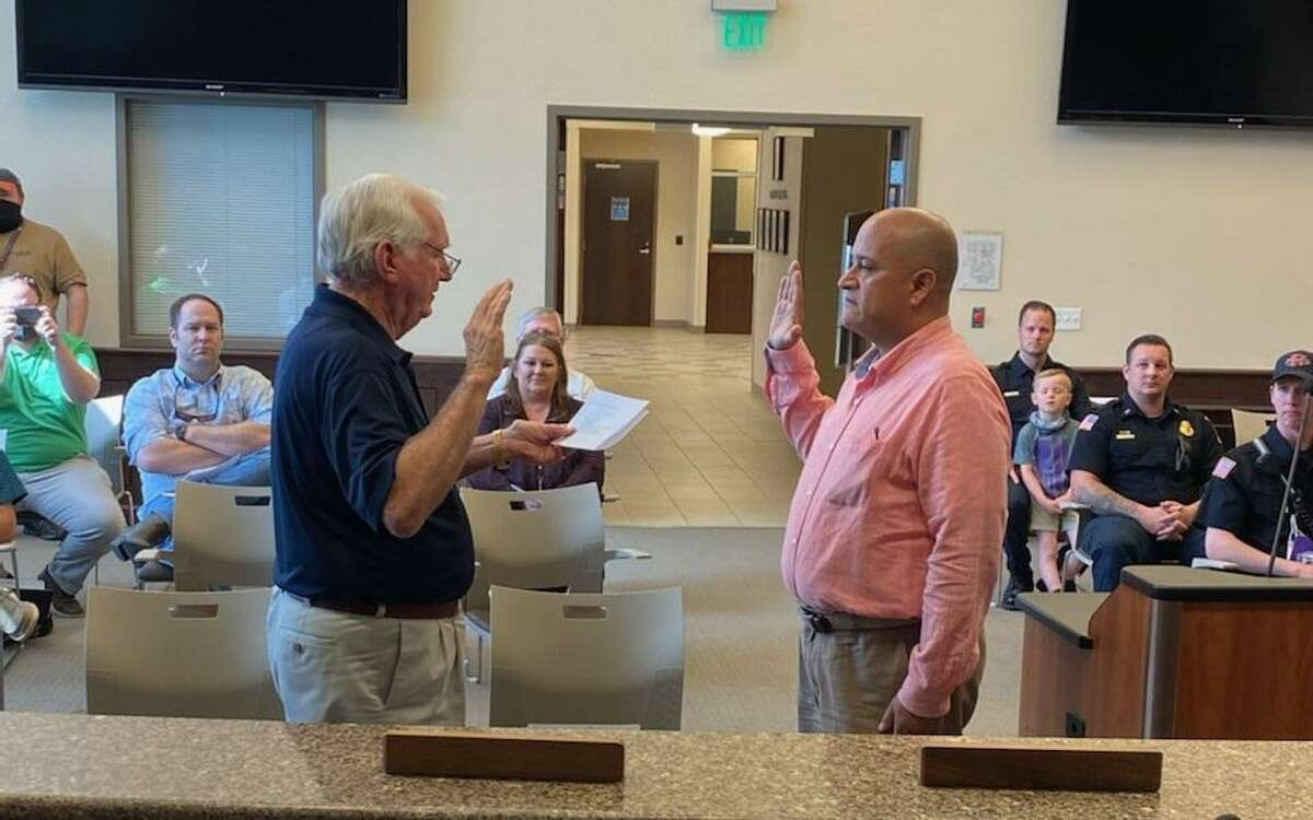 Laredoan Eloy Vega took the oath of office as the fire chief for the City of Port Neches on Thursday.