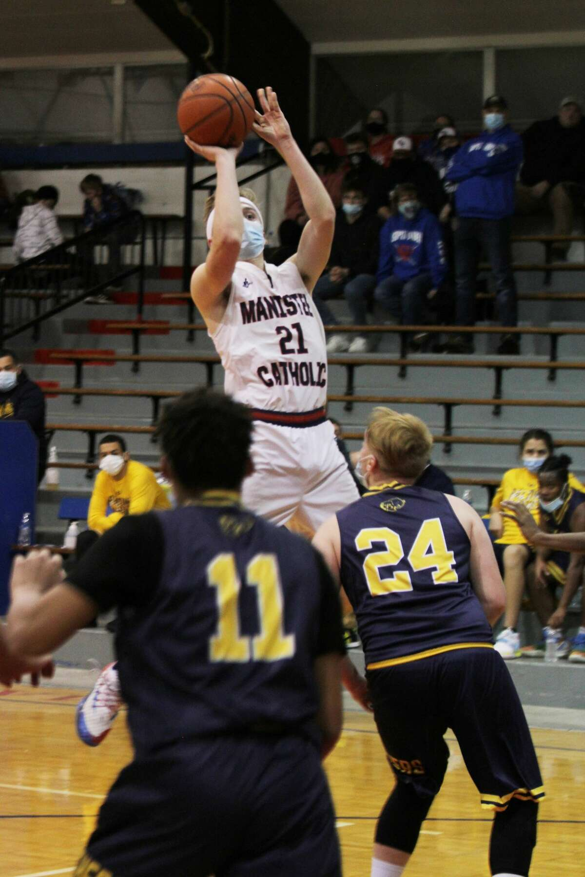 After a slow start this season, MCC began to pick up steam, stringing together a 5-2 stretch from mid-February to early March. The Sabers won their last two regular season games for a 7-8 overall record before falling to Buckley in their district opener on March 23.