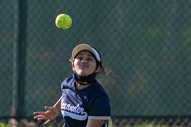 Magali Herrera reaches for an out Friday during Alexander's 22-8 win over United South at the SAC.