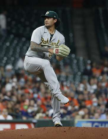 Oakland Athletics starting pitcher Sean Manaea (55) pitches during the first inning of an MLB baseball game at Minute Maid Park, in Houston, Friday, April 9, 2021. Photo: Karen Warren/Staff Photographer / @2021 Houston Chronicle