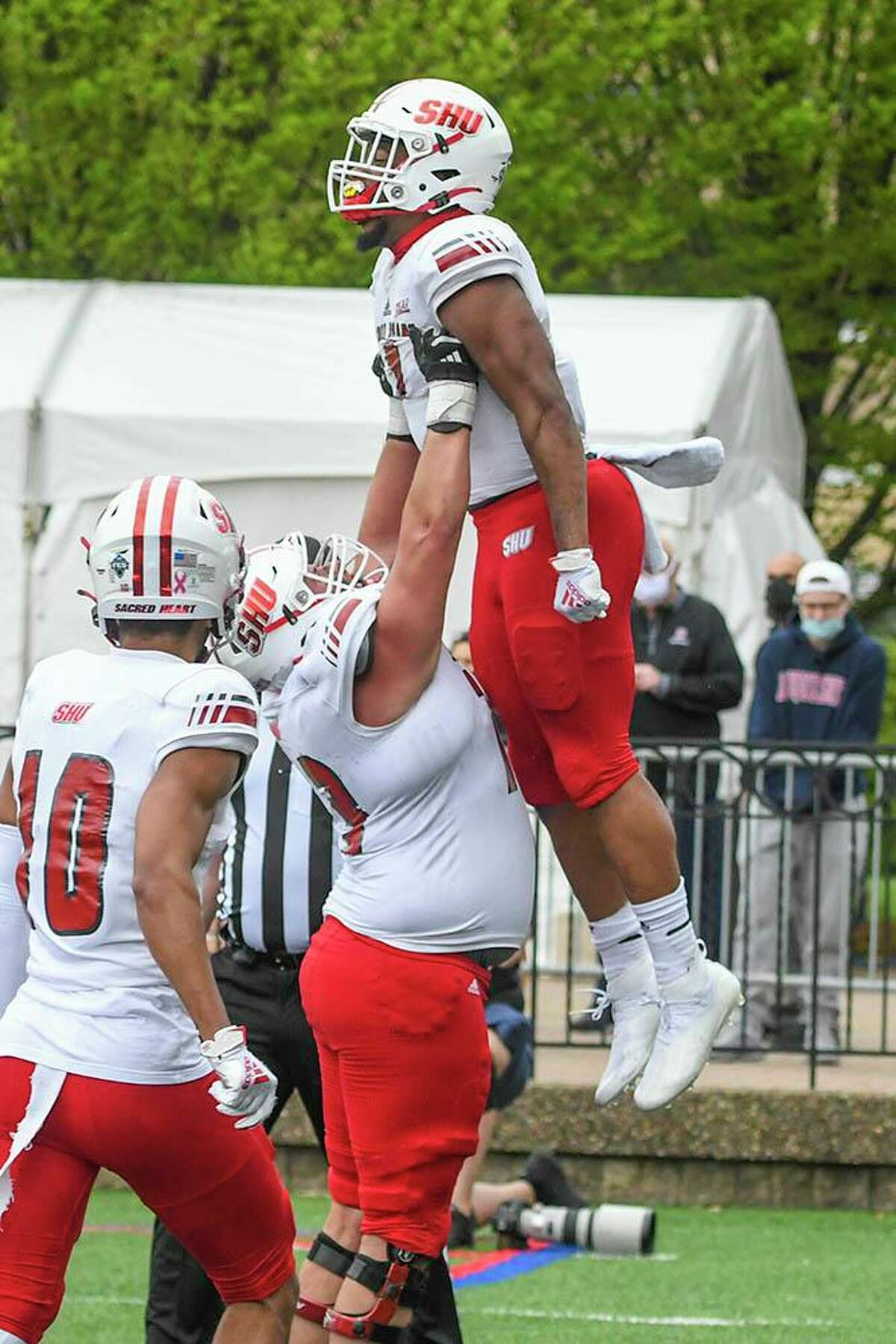 Sacred Heart's Julius Chestnut celebrates during Sunday's win in the NEC championship game against Duquesne.