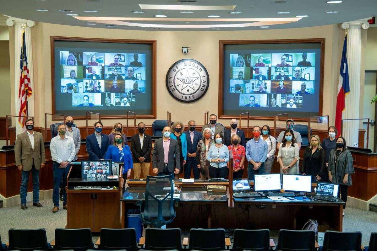 Mayor Joe Zimmerman and the Sugar Land City Council recognized the 2021 Sugar Land 101 graduates.