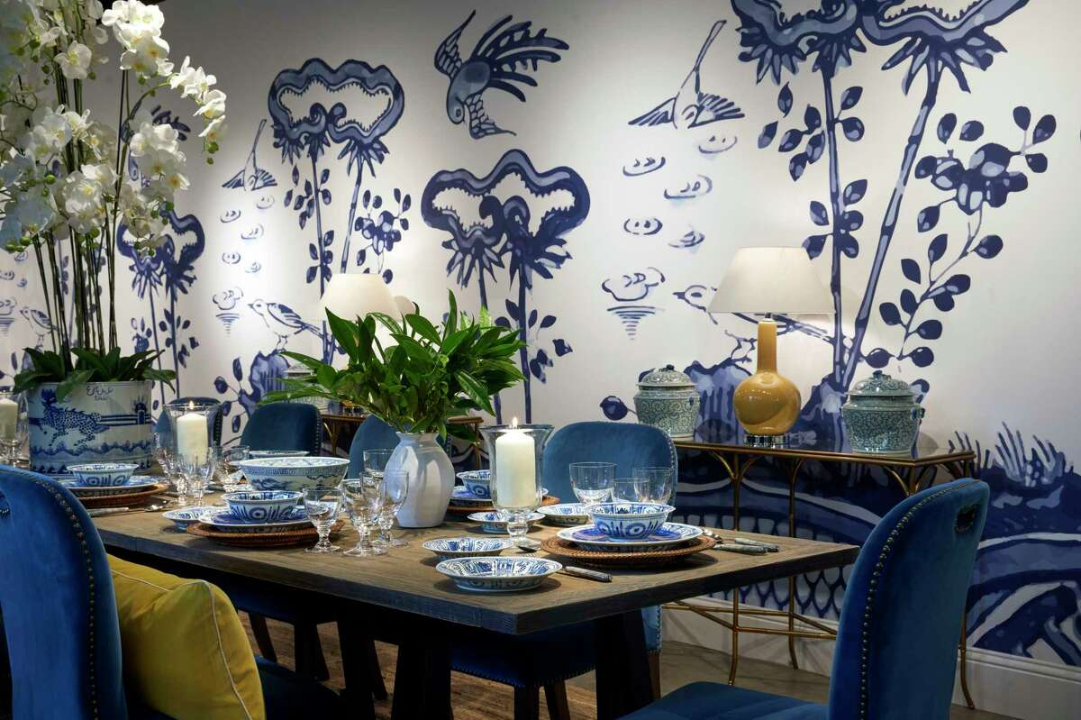 OKA's Kraak blue and white porcelain is modeled after Ming and Qing Dynasty patterns.