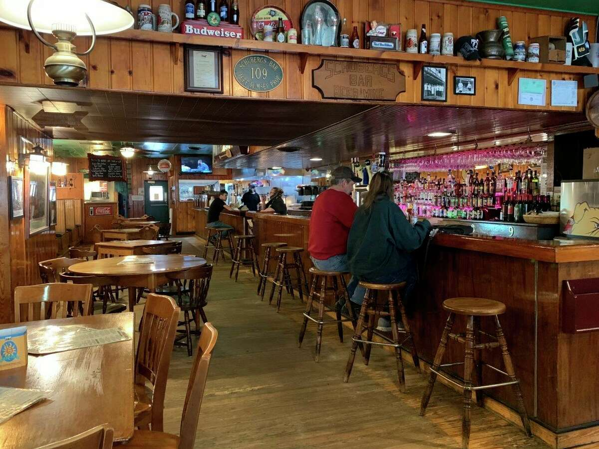 Local eateries have chosen not to suspend indoor dining as recommended by Gov. Gretchen Whitmer during her recent news conference. (Pioneer photo/Cathie Crew)