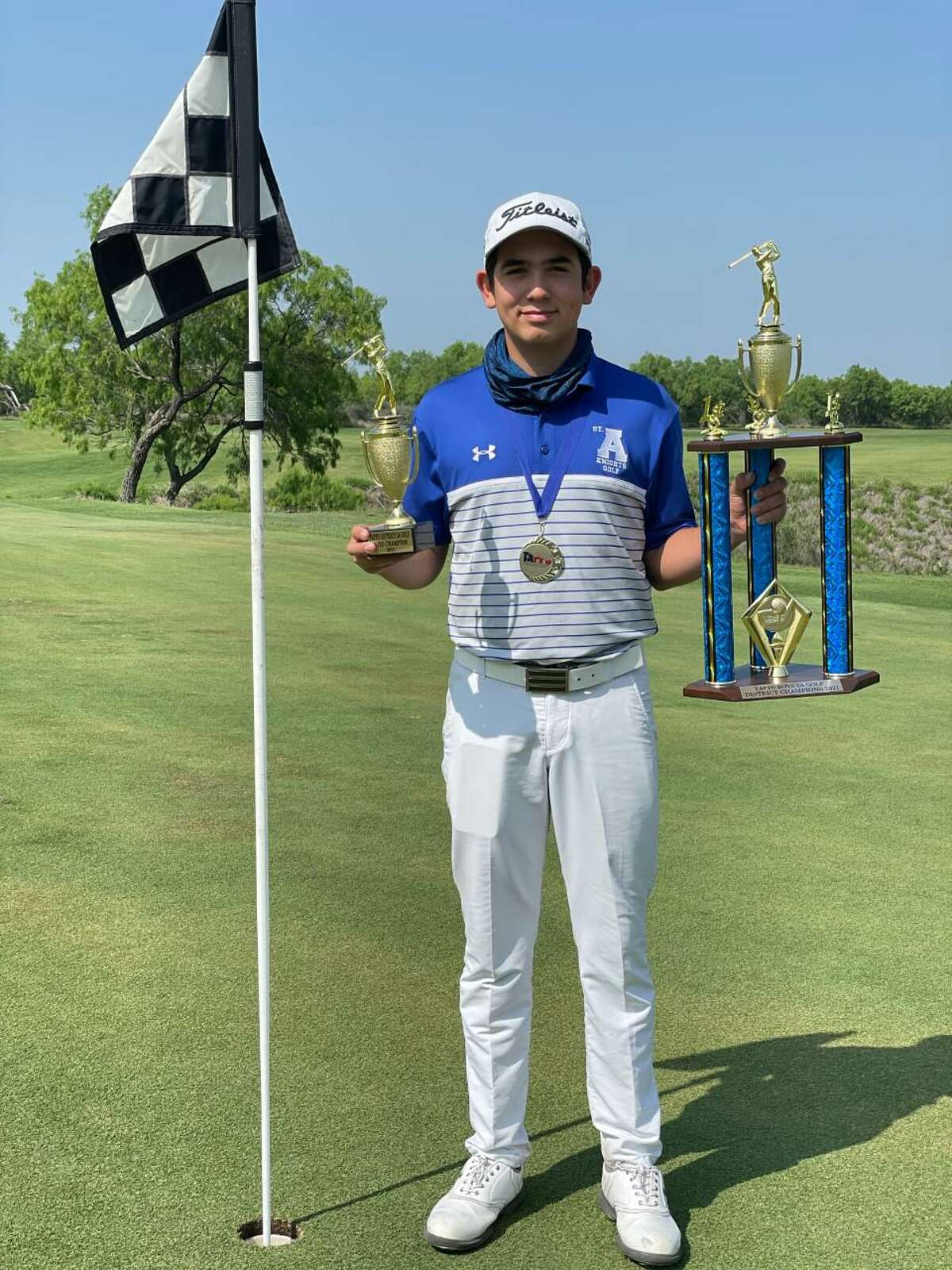 St. Augustine's Rolando Alfaro shot a 72 to win the TAPPS 5A district title by six strokes Monday at the Max A. Mandel Municipal Golf Course.