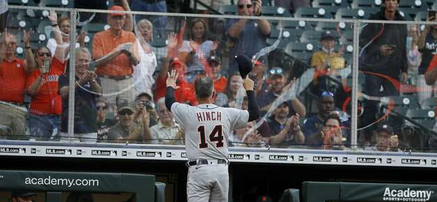 Detroit Tigers manager A.J. Hinch (14) tips his cap to the cheering Houston Astros fans before the start of the first inning of an MLB baseball game at Minute Maid Park, in Houston, Monday, April 12, 2021. Photo: Karen Warren/Staff Photographer / @2021 Houston Chronicle