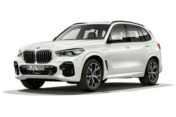 The 2021 BMW X-5 xDrive45e can reach speeds of up to 84 mph on electricity alone.
