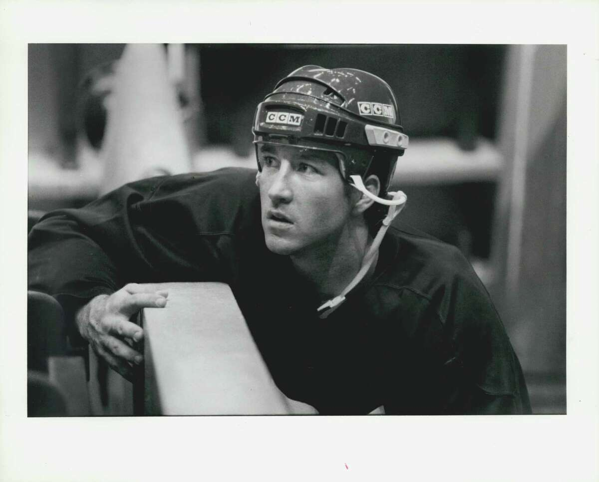Kevin Dineen returns to Houston tonight as a member of the Hartford Whalers.