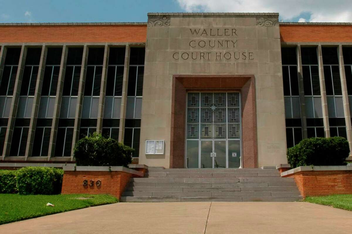The Waller County Courthouse along Highway 290 in downtown Hempstead in 2009.