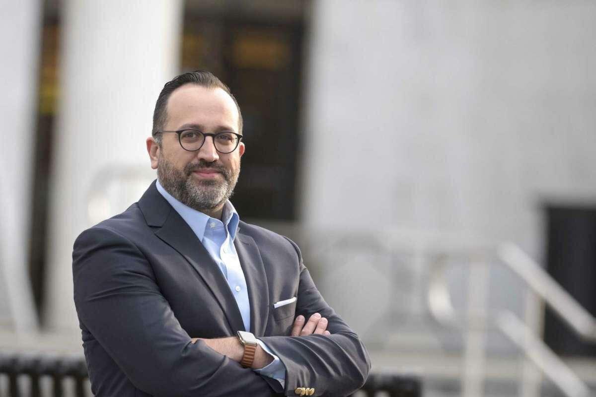 Democrat Roberto Alves was endorsed by the Danbury Democratic Town Committee in his run for mayor.