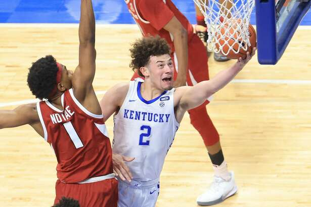 Devin Askew #2 of the Kentucky Wildcats shoots the ball against the Arkansas Razorbacks at Rupp Arena on February 09, 2021 in Lexington, Kentucky. (Photo by Andy Lyons/Getty Images)