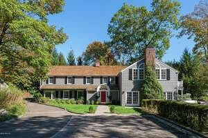 """The house at 40 Pecksland Dr. in Greenwich that was bought by former """"real housewive"""" Bethenny Frankel is back on the market for $3,375,000."""