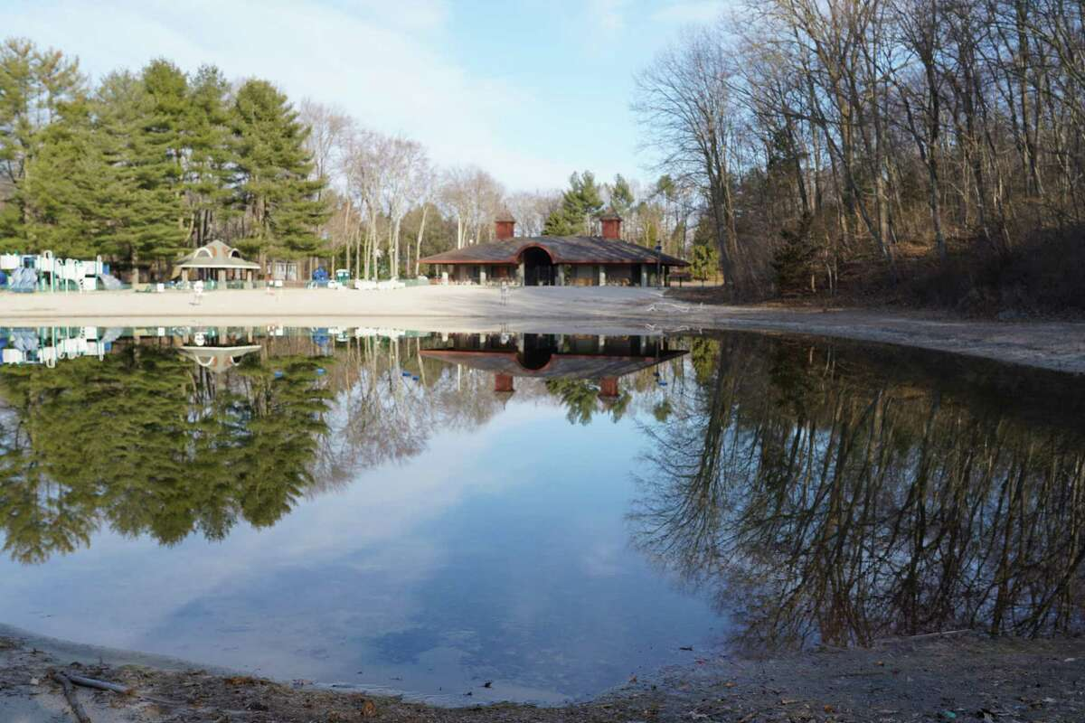 New Canaan is considering having the YMCA take over the administration of Kiwanis Park on Old Norwalk Road since there were not many visitors to the pond last year.