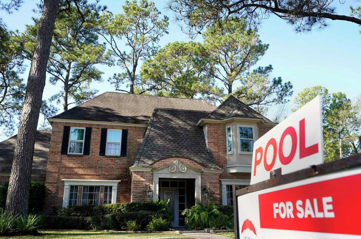 Home prices rose to new highs in the Houston market in March, according to the Houston Association of Realtors. Buyers closed on 9,347 homes in March with high-end homes driving much of the sales.