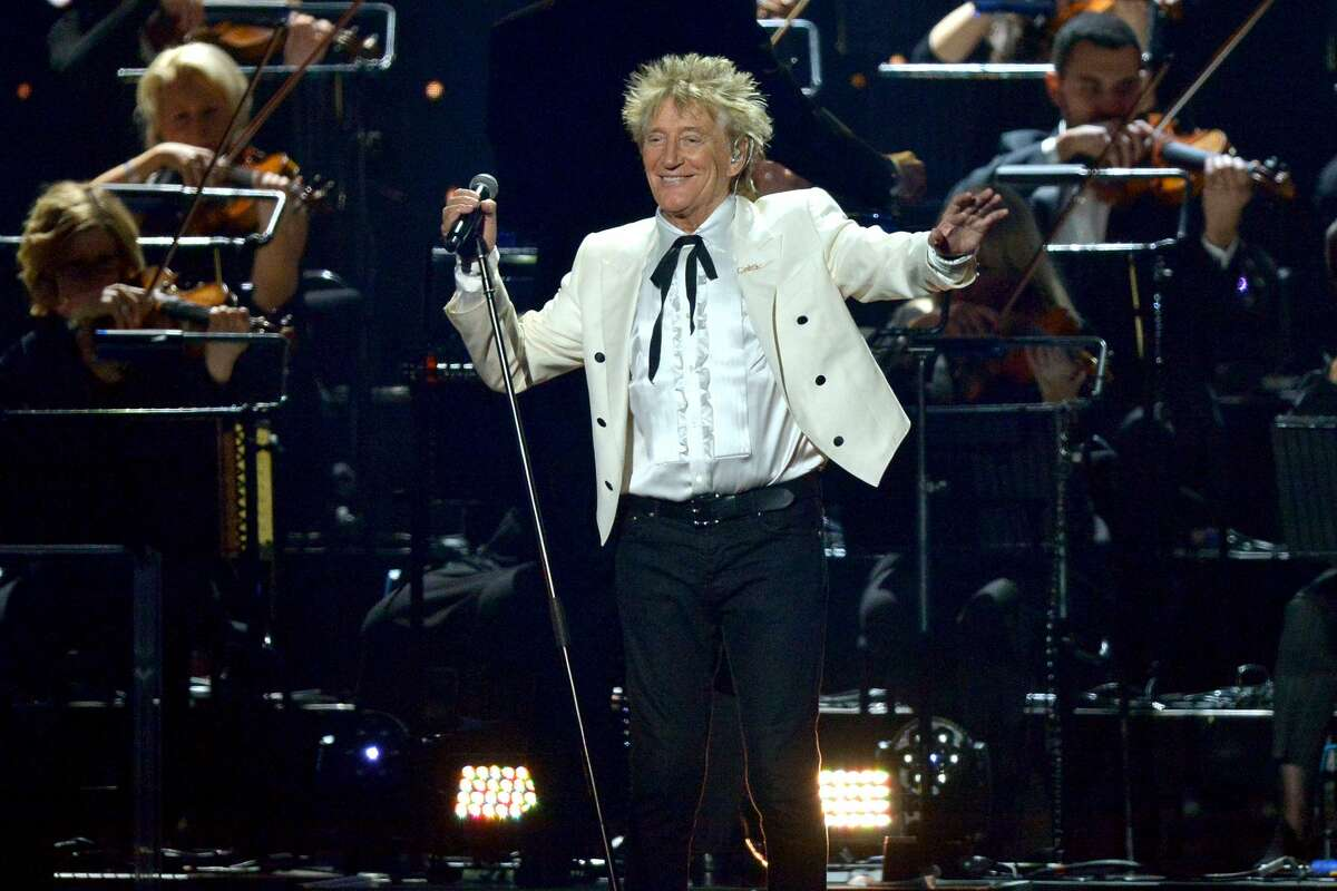 Rod Stewart performs live on stage. (Photo by Jim Dyson/Redferns)
