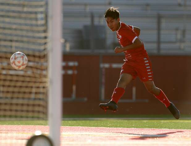Splendora's Jose Contreras (6) scores a goal during the first period of a high school soccer match Thursday, March 4, 2021, in Splendora. Photo: Jason Fochtman/Staff Photographer / 2021 © Houston Chronicle