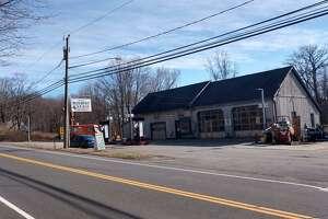 M&D Roxbury Garage on Southbury Road in Roxbury, Conn., which state police say was recently burglarized.