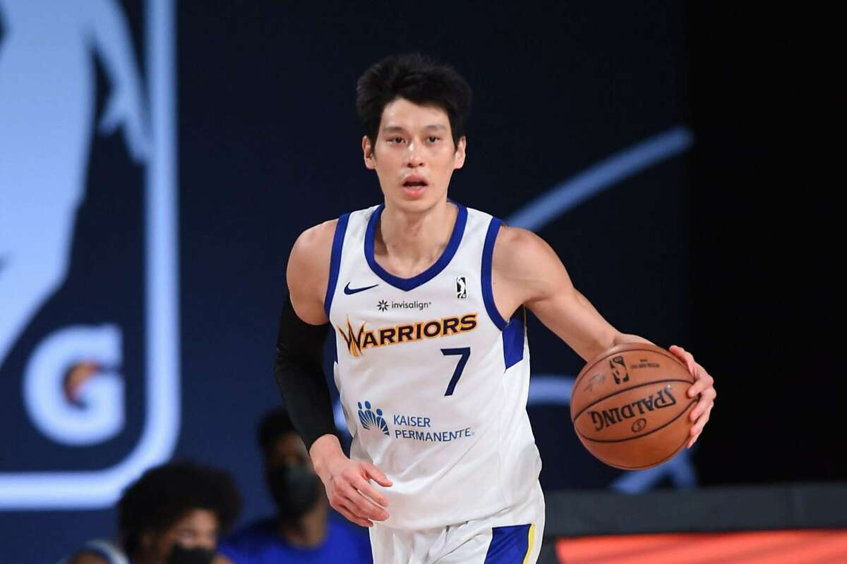 Jeremy Lin averaged 19.8 points, 6.4 assists, and 3.2 rebounds and shot 50.5% from the field and 42.6% from behind the 3-point line.
