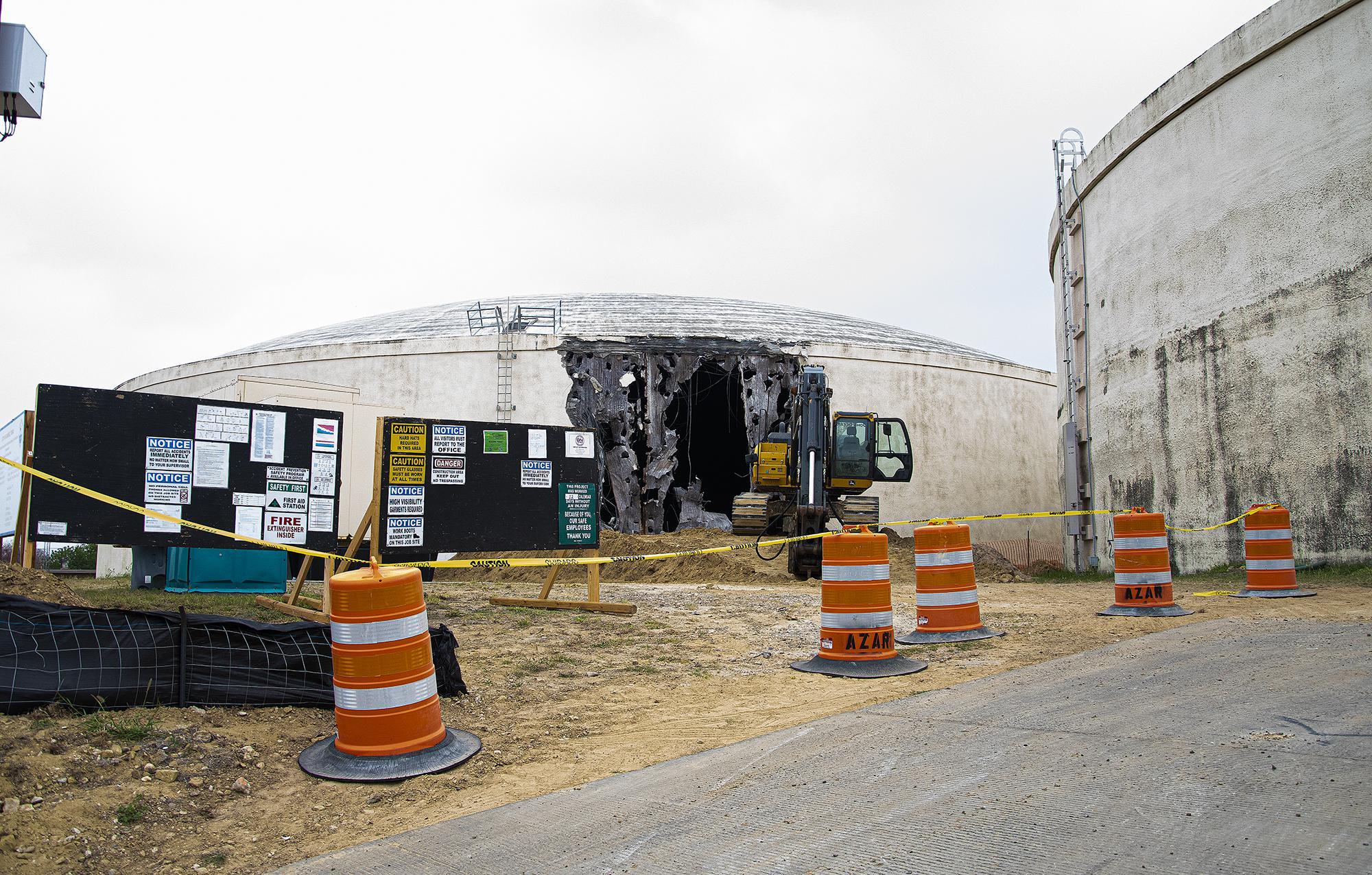 City begins demolition of Lyon Street water tank
