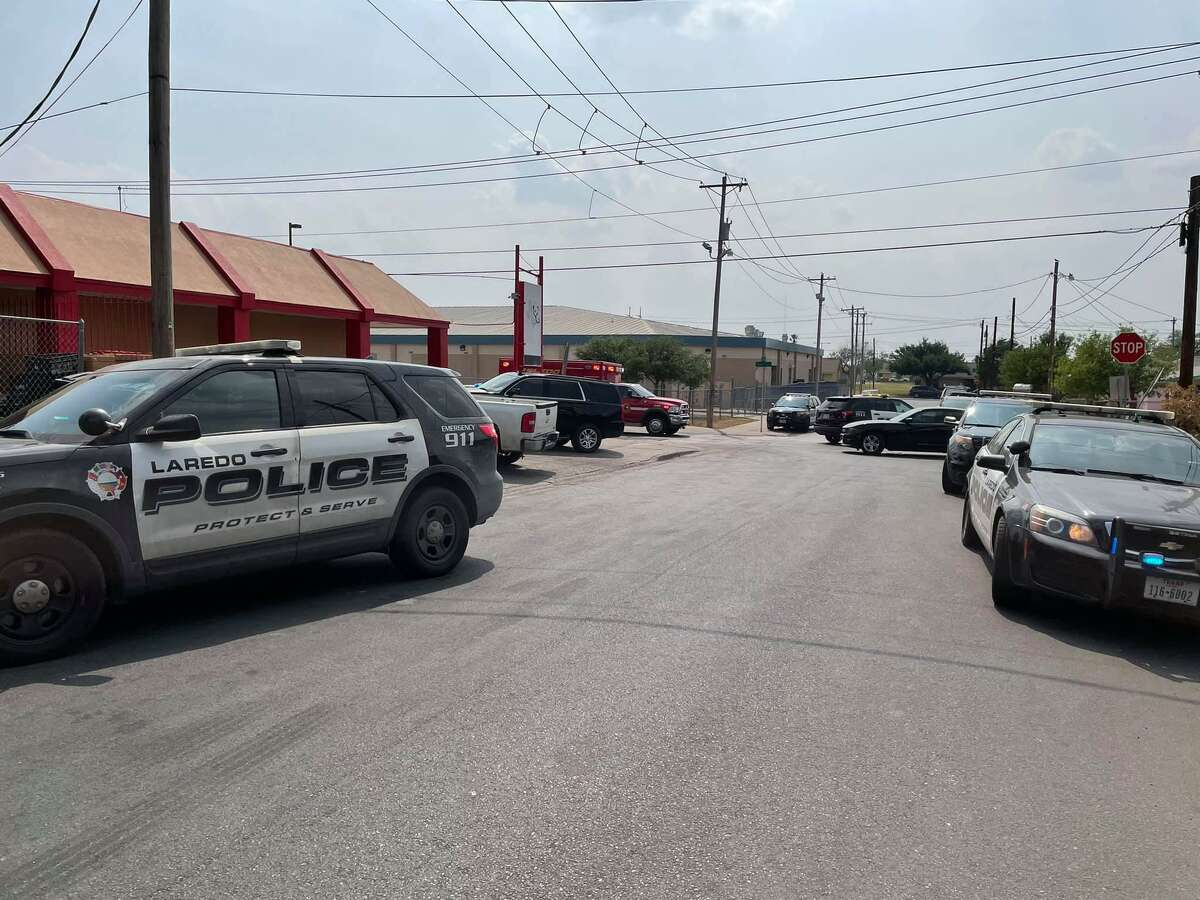 On Wednesday afternoon, Laredo police momentarily closed off the 3100 block of Tilden Avenue for a report of a man having a crisis. The surrounding area was blocked off.