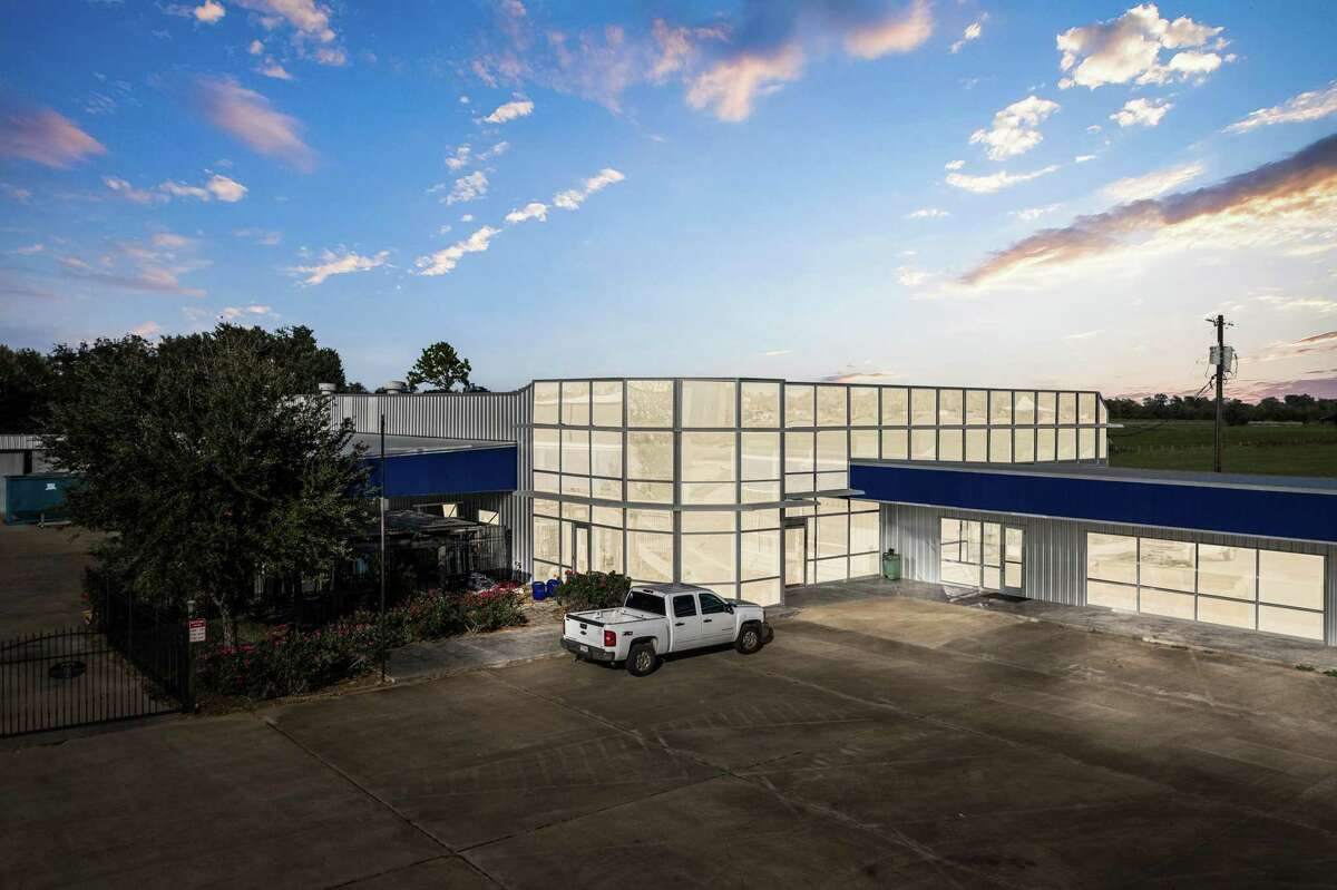 DWG Capital Partners acquired a 35,835-square-foot industrial property at 1317 Business Highway 71 North in Columbus in a sale-leaseback transaction. The facility is occupied by The Theut Co., a commercial glazing company.