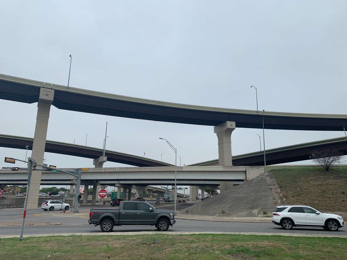 San Antonio police are searching for a man who was firing gun shots off of a North Side highway on Thursday.