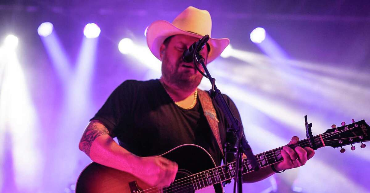 Randy Rogers Band will play the Whitewater Amphitheater this weekend.
