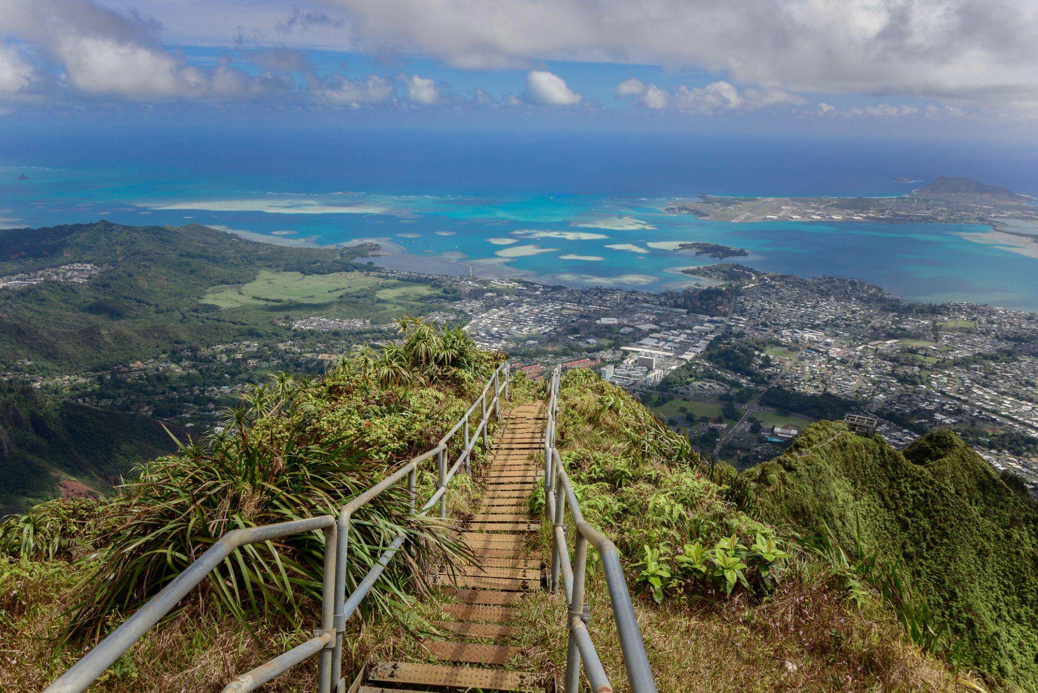 Hawaii mayor seeks $1M to dismantle infamous 'Stairway to Heaven'
