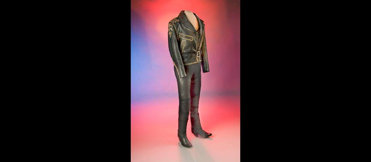 Selena's iconic leather jacket was donated to the Smithsonian by her family in 1998.