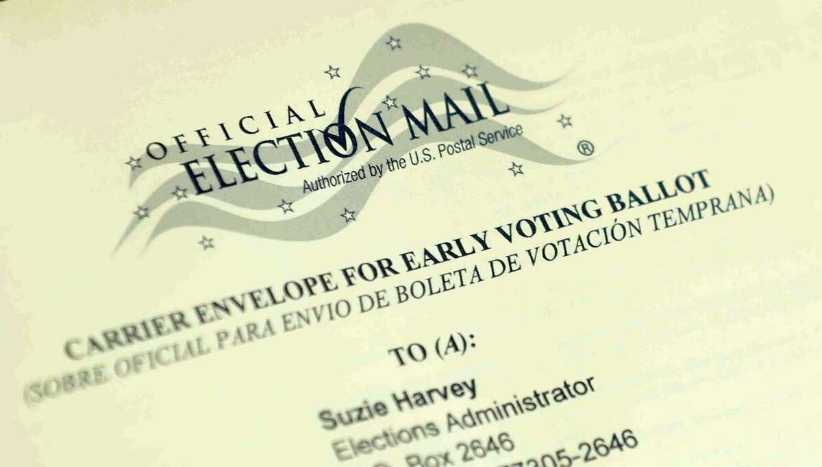 An electronic voting system would accommodate individuals with disabilities to cast their ballots in privacy - without the help of a polling aide.