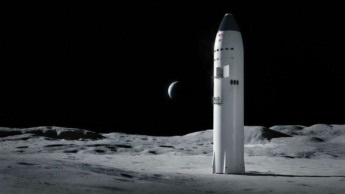 Artist concept of the SpaceX Starship on the surface of the Moon.
