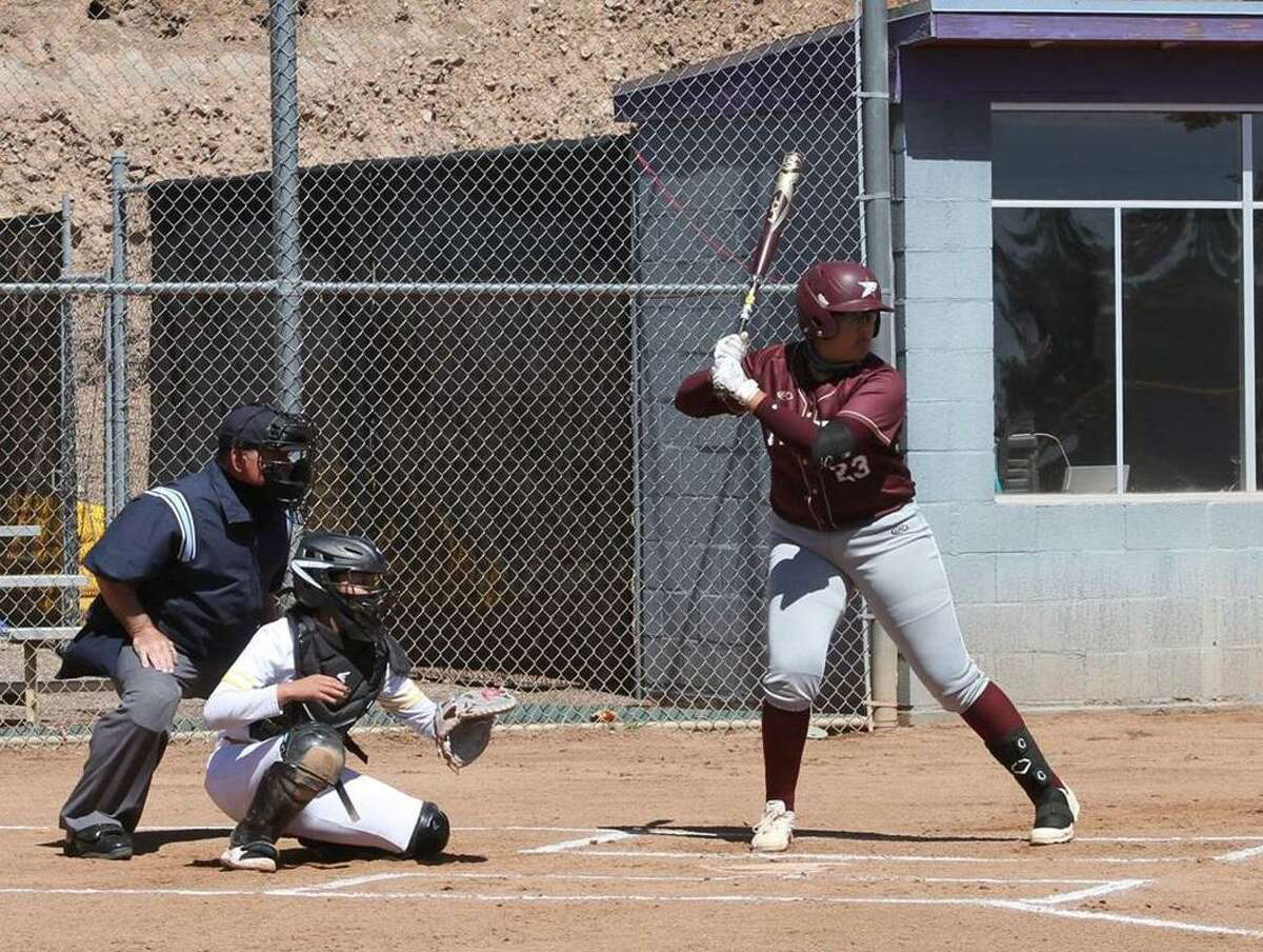 Victoria Gonzalez and TAMIU were edged 3-2 in eight innings in Game 1 of their doubleheader before falling 14-0 in five innings in Game 2.