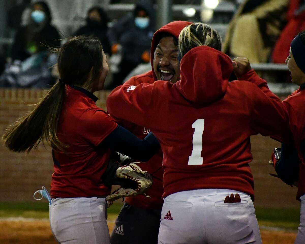 Plainview defeated Canyon Randall 10-5 in a District 3-5A softball game on Friday at Lady Bulldog Park. The victory clinched the team's first playoff berth since 2015.