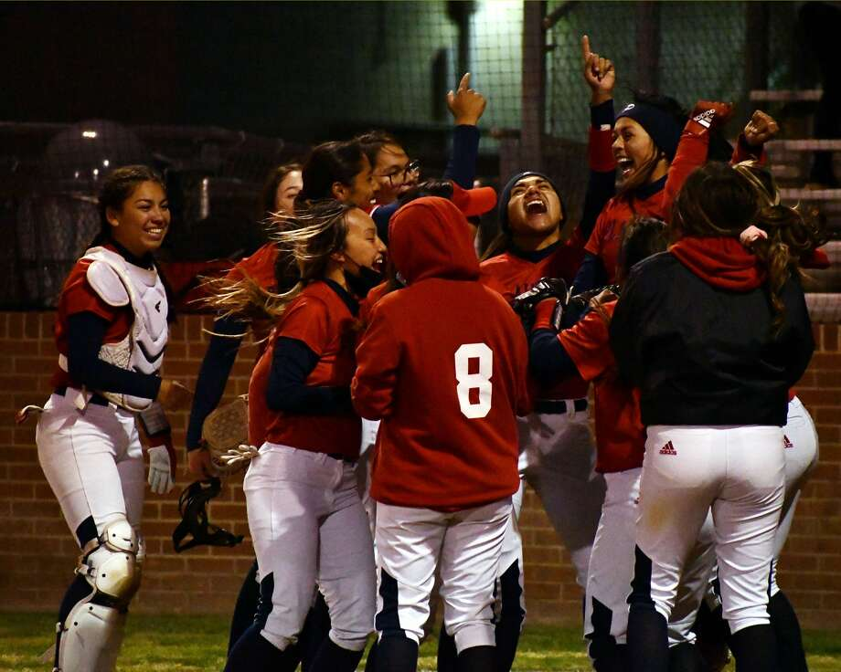 Plainview defeated Canyon Randall 10-5 in a District 3-5A softball game on Friday at Lady Bulldog Park. The victory clinched the team's first playoff berth since 2015. Photo: Nathan Giese/Planview Herald