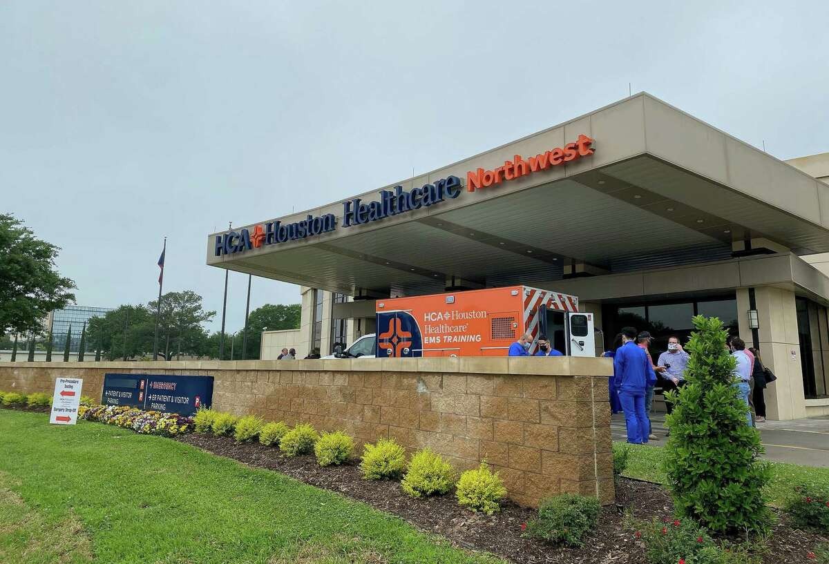 On Wednesday, April 14, HCA Houston Healthcare Northwest administrators unveiled the recently finished $11 million renovations to the exterior of the campus revealing a fresh look and finely manicured landscape making the hospital more inviting to the community.