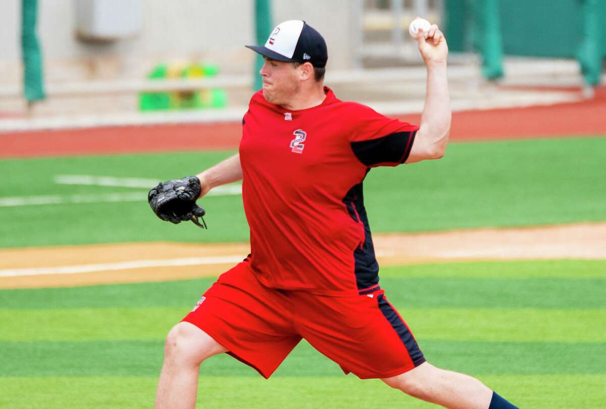 Greg Mahle is expected to be a starting pitcher for the Tecolotes Dos Laredos this season.