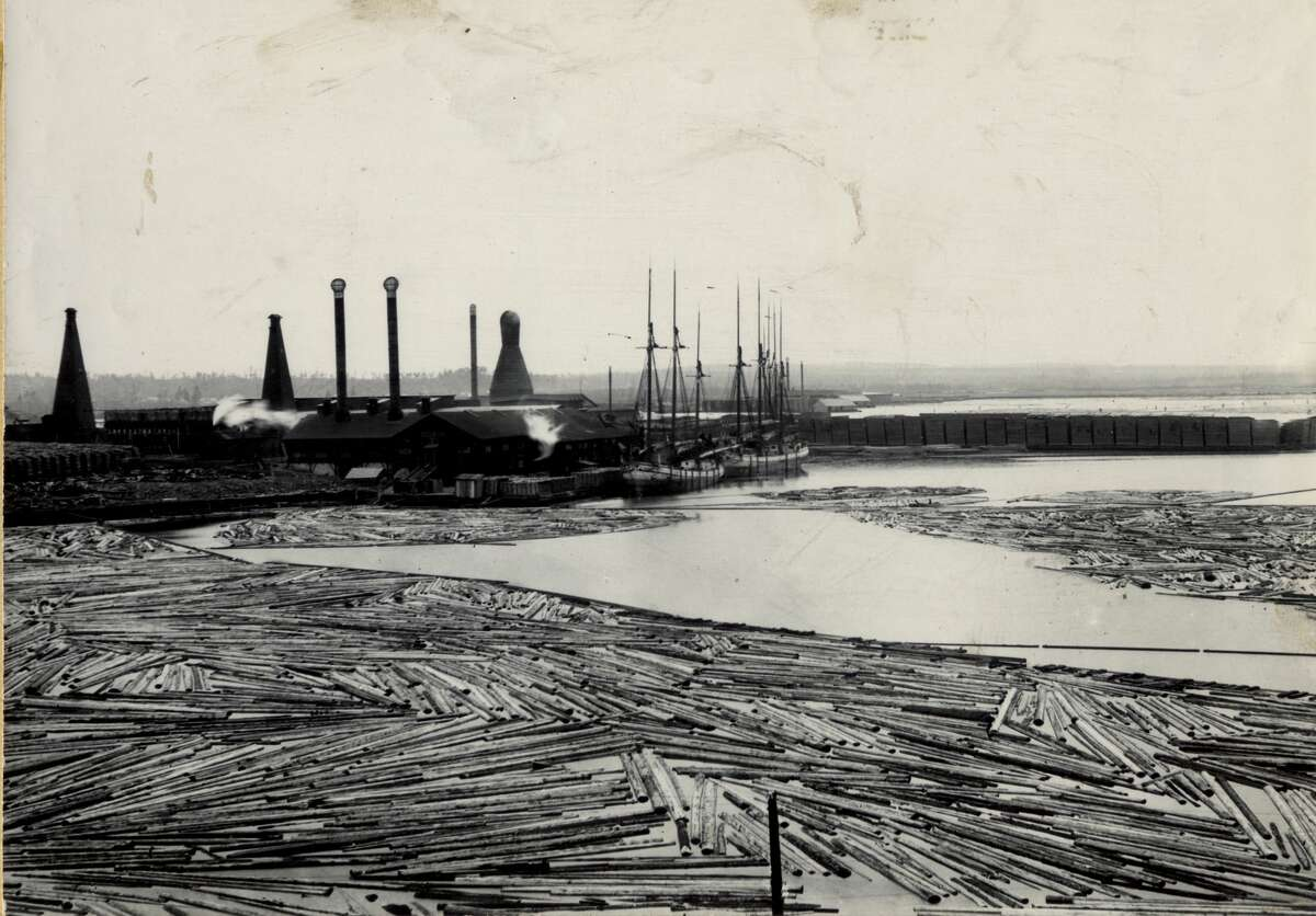 A view of Louis Sands lower mill which once spanned an area of land near the far east end of River Street.