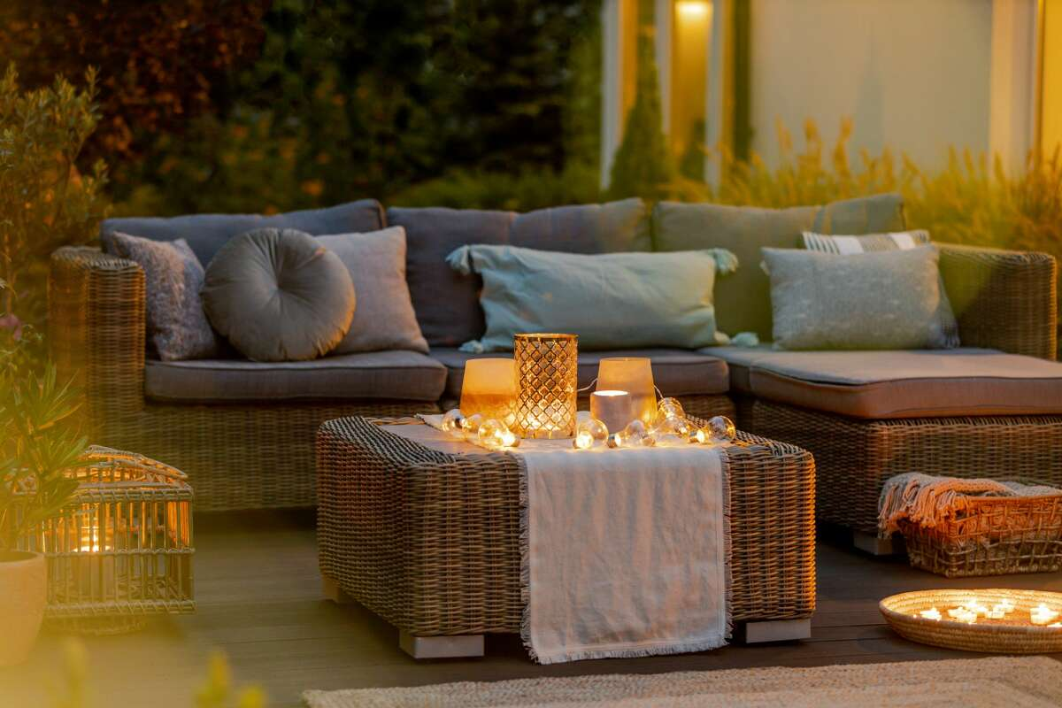 If you're looking for backyard patio ideas in time for Summer, we have a few great ideas for you.