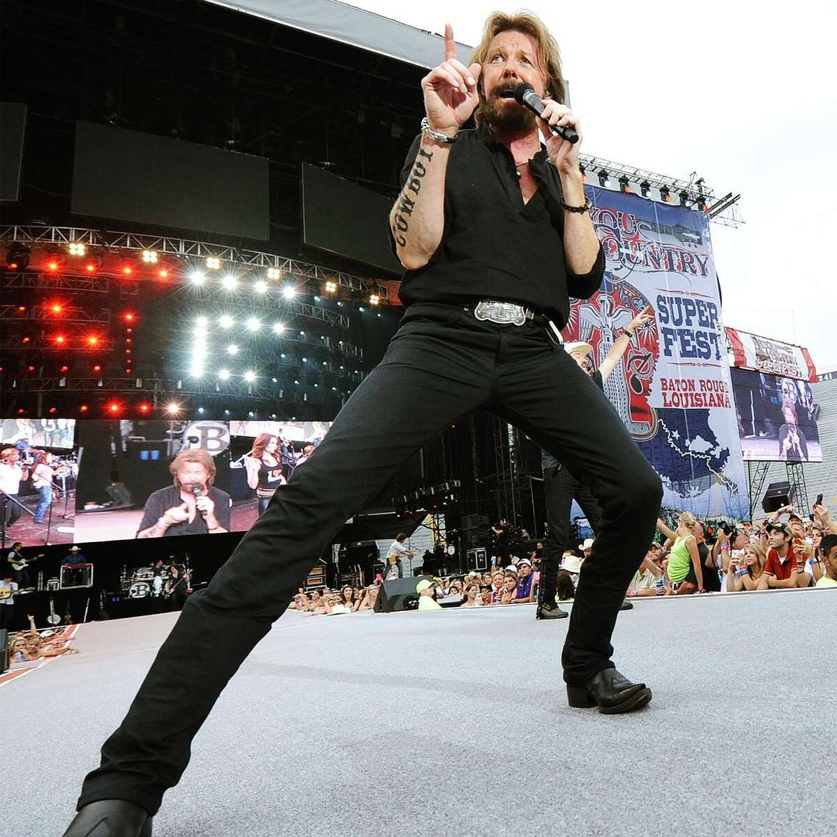 Country Music Hall Of Fame members Brooks & Dunn will play Hollywood Casino Amphitheatre September 3. Pictured: Ronnie Dunn